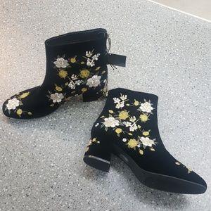 Black Velvet Ankle Boots Floral Embroidery Design